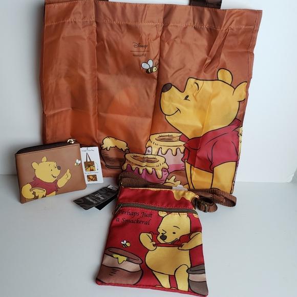 DISNEY WINNIE THE POOH PASSPORT BAG NEW